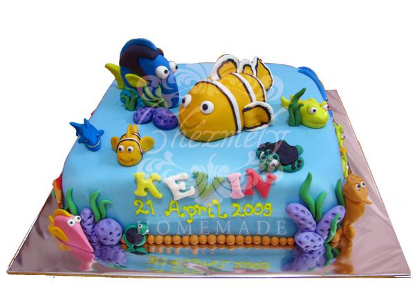 Nemo & Dory birthday cake